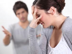 Bạn trẻ - Cuộc sống - Vì sao vợ chồng hay cãi nhau vẫn không thể ly hôn?
