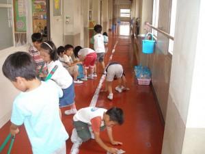Thế giới - Vì sao người Nhật cứ nhìn thấy rác là nhặt?