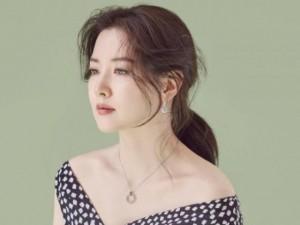 Làm đẹp - Bí kíp trẻ mãi không già của 'quý bà oxy' Lee Young Ae