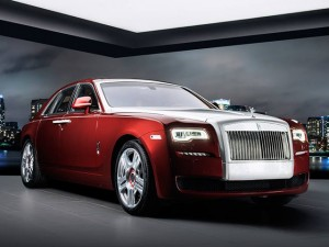 Ô tô - Xe máy - Ngắm Rolls-Royce Ghost Red Diamond đính 41 viên kim cương