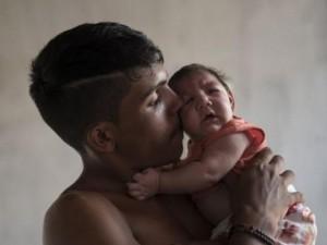 """Tin tức trong ngày - 7 điều cần biết về virus """"ăn não"""" Zika đang lan toàn cầu"""