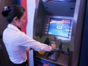 Tài chính - Bất động sản - Bổ sung tiền mới cho máy ATM