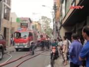 Video An ninh - Cháy khách sạn 8 tầng, khách trọ ôm hành lý tháo chạy