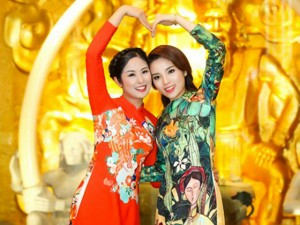 Thời trang - Kỳ Duyên và Ngọc Hân thân thiết như hai chị em
