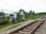 Video An ninh - Dũng cảm lao vào tàu hỏa cứu người, người đàn ông tử vong
