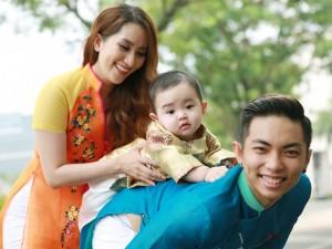 Cận cảnh vẻ đáng yêu của con trai Khánh Thi - Phan Hiển