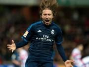 """Bóng đá Tây Ban Nha - Modric tỏa sáng thay CR7, Zidane vẫn chưa """"đã"""""""