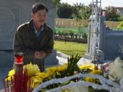 Viếng mộ ông Nguyễn Bá Thanh ngày Tết