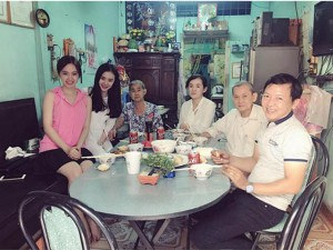 Đời sống Showbiz - Facebook sao 9/2: Sao Việt quây quần bên gia đình vui Tết