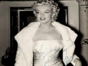 Fan cuồng tiết lộ bộ ảnh của nữ hoàng sexy Marilyn Monroe