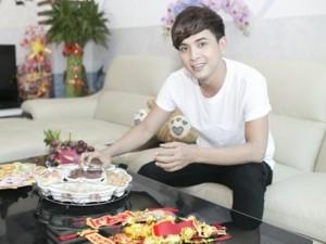 Hồ Quang Hiếu vào bếp ngày xuân