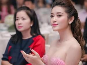 Đời sống Showbiz - Mẹ của Huyền My - người mẹ hoàn hảo trong showbiz Việt