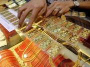 Tài chính - Bất động sản - Giá vàng thế giới tăng vọt trong lúc vàng trong nước nghỉ Tết