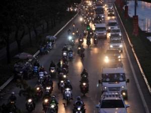 Tin tức trong ngày - Kỳ lạ người dân ùn ùn đổ về TPHCM nhưng không tắc đường
