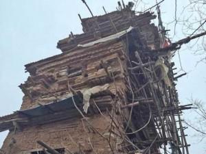 Phi thường - kỳ quặc - Kinh ngạc: 10 năm xây ngôi nhà kỳ dị bằng đá