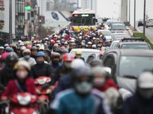 Tin tức trong ngày - Nhiều tuyến đường Hà Nội kẹt cứng trong ngày đầu đi làm