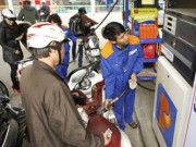 Thị trường - Tiêu dùng - Giá xăng có thể giảm 500 đồng/lít