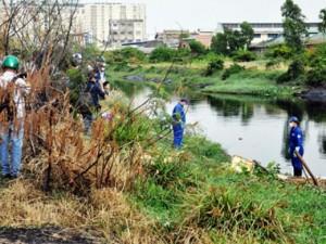 Tin tức trong ngày - Truy tìm nhân thân thi thể trôi sông mất hộp sọ