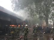 Tin tức trong ngày - Hà Nội: Nhà dân bốc cháy, lửa lan sang 8 cửa hàng