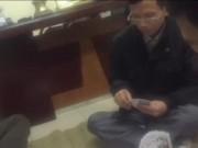 Tin tức trong ngày - Điều tra clip Trưởng CA phường đánh bạc ở nhiệm sở