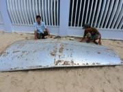 Tin tức trong ngày - PV nước ngoài xin lỗi vì đưa tin mảnh vỡ MH370 ở Khánh Hòa