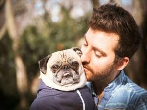 """Bạn trẻ - Cuộc sống - Chàng trai có """"tình yêu thuần khiết"""" với chó cưng"""