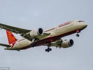 Thế giới - Anh: Say rượu, tụt quần đi tè giữa máy bay
