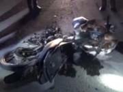 Video An ninh - Tông nhau lăn ra đường, 2 người bị xe tải cán chết