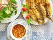 Ẩm thực - Mẹo rán cá không bắn dầu và cách pha nước chấm ngon