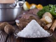 Sức khỏe đời sống - Rước bệnh hiểm vì thói quen ăn mặn