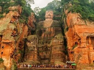 Chuyện lạ - Choáng ngợp với 10 bức tượng hùng vĩ nhất thế giới