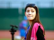 Tin bên lề bóng đá - Nữ phóng viên Trung Quốc xinh đẹp thích Công Vinh chơi bóng