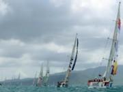 Tài chính - Bất động sản - Doanh nhân tầm cỡ thế giới mặc quần đùi đua thuyền buồm