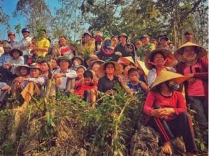 """Phim - Người dân Quảng Bình vây quanh phim trường """"King Kong 2"""""""