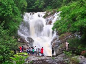 Tin tức trong ngày - 3 du khách Anh tử nạn khi vượt thác Dalanta, Đà Lạt