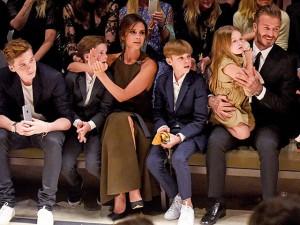 """Thời trang - Gu thời trang """"đẹp đều"""" của đại gia đình nhà Becks"""