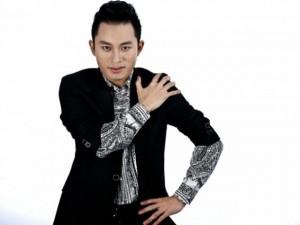 """Tùng Dương thấy  """" dị ứng """"  vì ca sĩ trẻ cố hát bolero"""