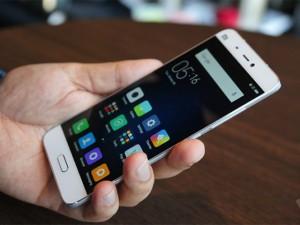 Dế sắp ra lò - Trên tay Xiaomi Mi 5 thiết kế sang trọng