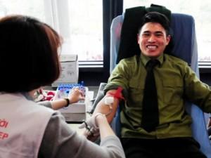 Tin tức trong ngày - Gặp thượng sỹ 20 lần hiến máu cứu người
