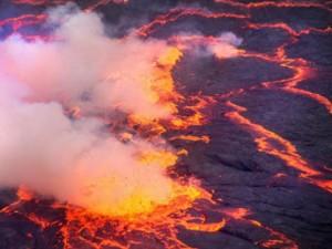 Thế giới - Vẻ đẹp đáng sợ của hồ dung nham nóng lớn nhất thế giới