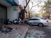 Video An ninh - Clip: Hiện trường vụ xe camry tông bay 3 người tại HN