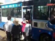 """Video An ninh - Lợi dụng mang thai để """"hành nghề"""" móc túi trên xe buýt"""