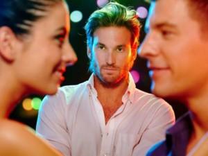 """Bạn trẻ - Cuộc sống - Đàn ông không bao giờ coi nhẹ """"tình cũ"""" của bạn gái"""