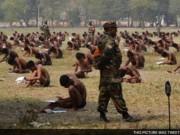 Giáo dục - du học - Ấn Độ: Bắt thí sinh mặc quần lót ngồi thi để ngừa gian lận