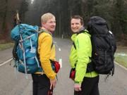 Tin tức trong ngày - Hai ông Tây đi bộ 7.000km, quyên góp tiền cho trẻ em VN