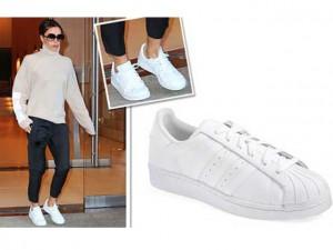 """Thời trang - Victoria Beckham """"chất phát ngất"""" khi bỏ giày cao gót"""