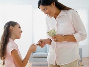 Bạn trẻ - Cuộc sống - Có nên cho trẻ em làm quen với tiền?