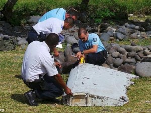 Mảnh vỡ nghi của MH-370 trôi dạt vào biển Mozambique