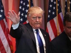 """Thế giới - Dọa giết tỉ phú Trump, phi công có thể bị """"đuổi"""" khỏi Mỹ"""