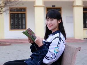 """Bạn trẻ - Cuộc sống - Gặp gỡ hot girl xứ Nghệ """"bắn liên thanh 7 thứ tiếng"""""""